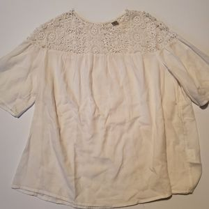 🆕️ Old Navy Cream Lace Top